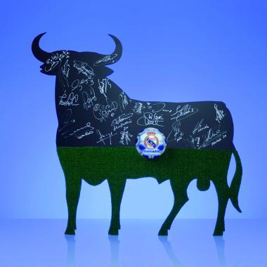 Real Madrid_50 Aniversario Toro de Osborne